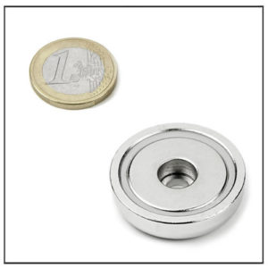32mm Cylindrical Hole Mounting Magnet
