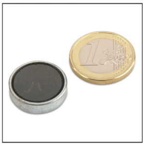 Flat Ferrite Magnets in Steelpot Ø 20 x 6 mm