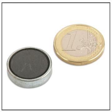 Flat Ferrite Magnets in Steelpot Ø 20 x 6 mm