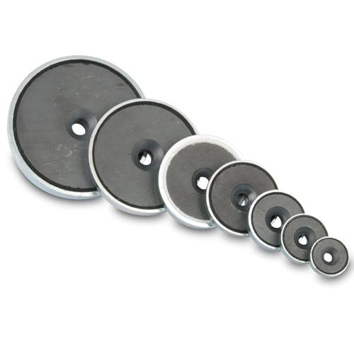 Countersunk Ferrite Magnets in Steelpot