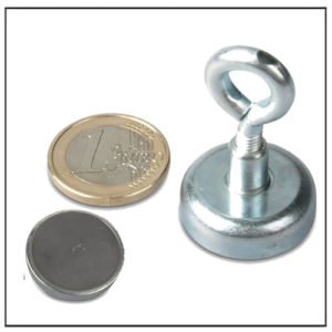 Sintered Ferrite Eyelet Pot Magnet