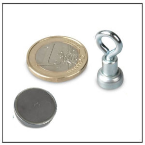 Small Ferrite Eyelet Magnet 10mm