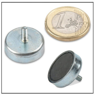 External Thread Ferrite Pot Magnet Ø 20mm
