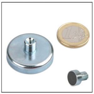 Internal Threaded Ferrite Mounting Magnet Ø 32mm