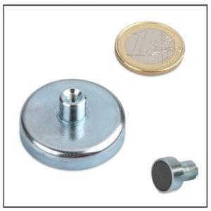 Threaded Bushing Ferrite Cup Magnet Ø 40mm